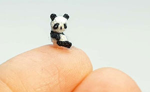 This Artist Started Micro Crocheting As An Experiment, And Now She Creates Tiny Animals And Plants Using Needle And Thread (70 Pics)